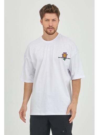 XHAN Kırmızı Önür & Arkası Baskılı Oversize T-Shirt  Beyaz